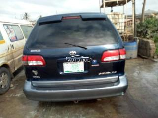 Local used 2002 sienna