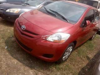 2006 Toyota Yaris Red