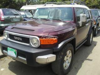 2005 Toyota FJ Cruiser Red