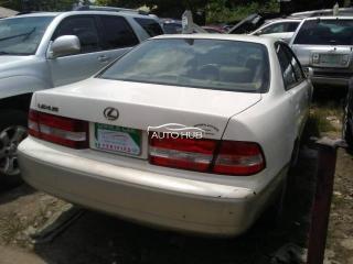 2002 Lexus ES 300 White