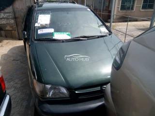 2001 Toyota Sienna Green