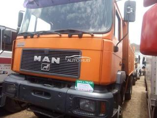 Man F2000 Orange