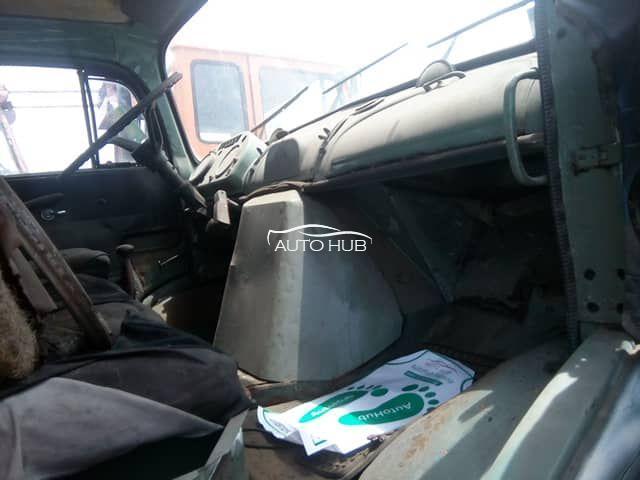 1984 Mercede Benz 1413