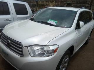 2011 Toyota Highlander White