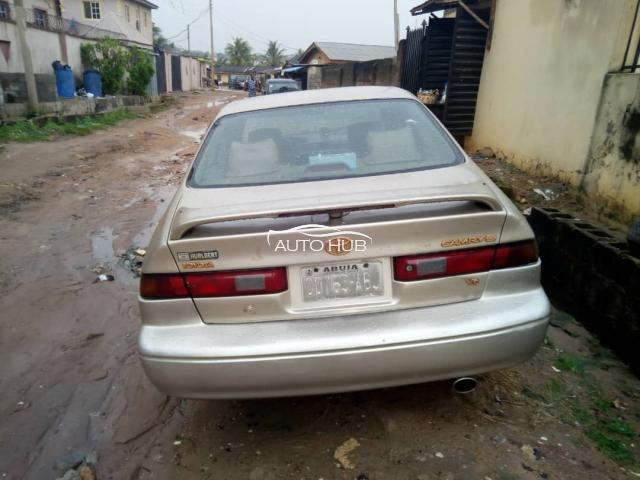 2000 Toyota Camry  Gold