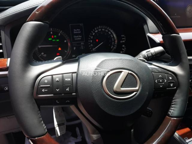 2019 Lexus LX 570 Black