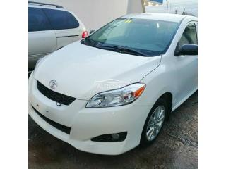 2009 Toyota Matrix White