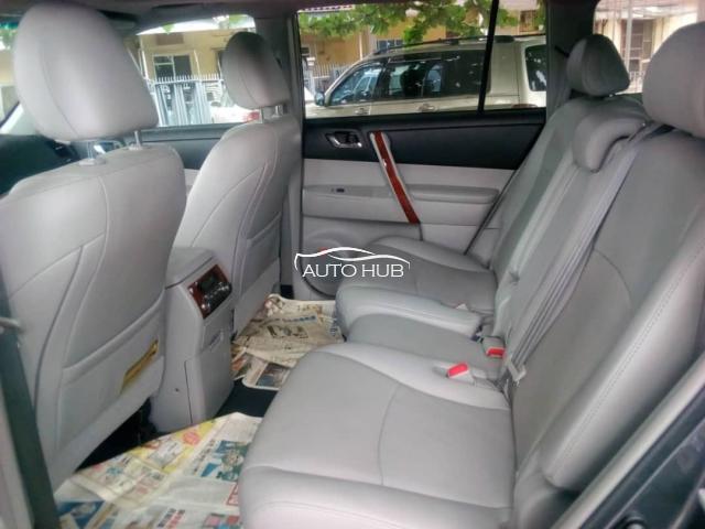 2014 Toyota  Highlander Gray
