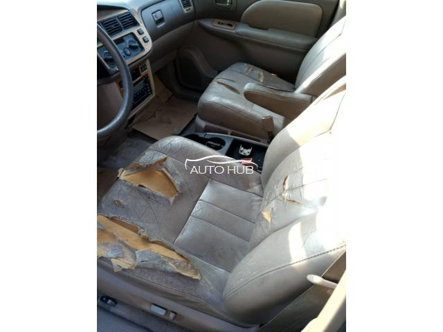 2000 Toyota Sienna Gray