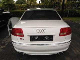 2010 Audi S8 White
