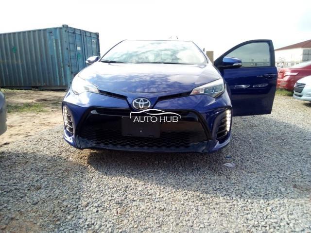 2018 Toyota Corolla SE Blue