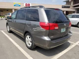 2005 Toyota Sienna Gray