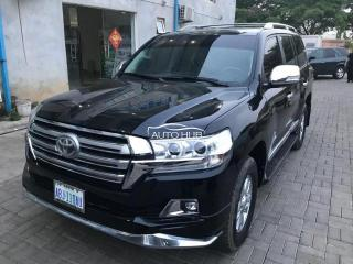 2011 Toyota Land Cruiser Black