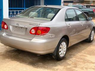 2004 Toyota Corolla LE Gold
