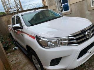 2018 Toyota Hilux White