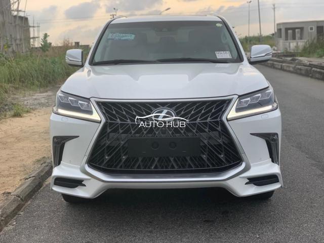 2016 Lexus LX 570 White
