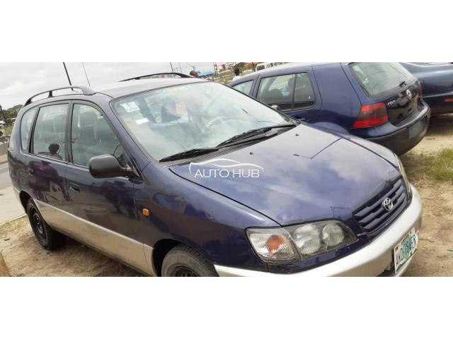2000 Toyota Picnic Blue