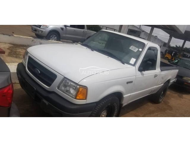 2003 Ford Pick up White