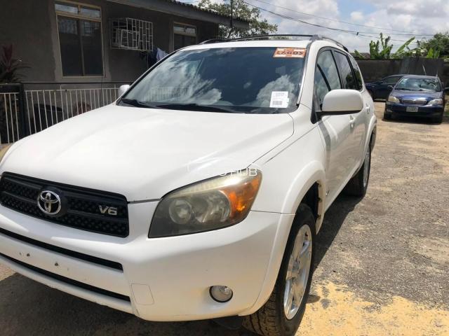 2007 Toyota Rav 4 White