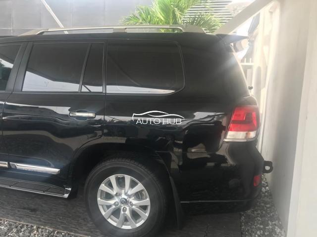 2018 Toyota Landcruiser Black