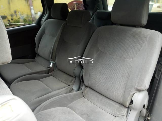 2005 Toyota Sienna Gold