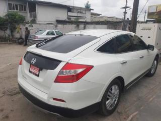 2017 Honda Crosstour White