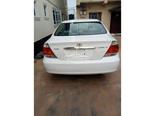 2005 Toyota Camry White