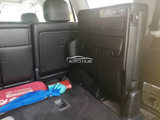 2015 Toyota Land Cruiser Black