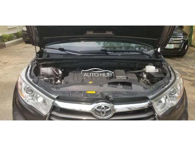 2014 Toyota Highlander Brown