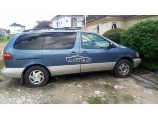 1998 Toyota Sienna Blue