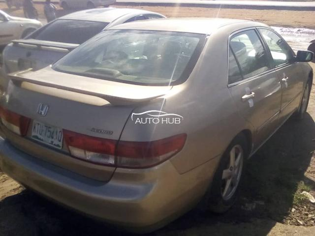 2004 Honds Accord Gold