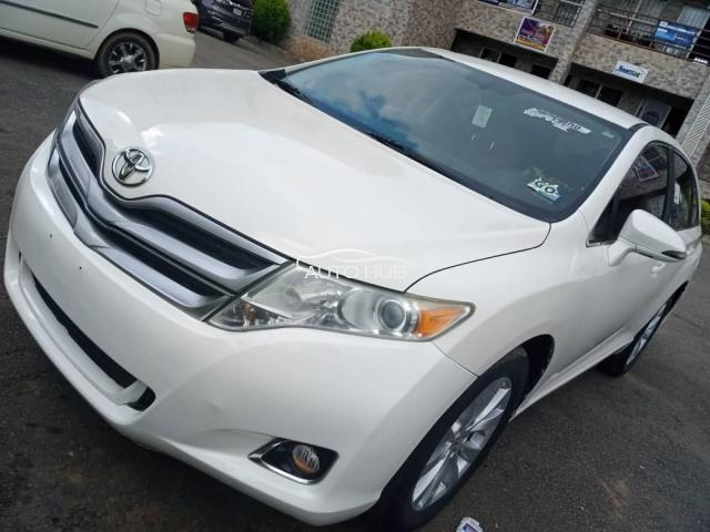 2013 Toyota Venza White