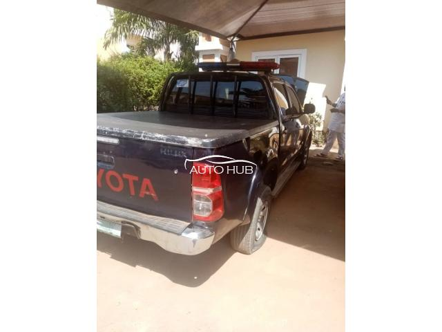 2014 Toyota Hilux Black