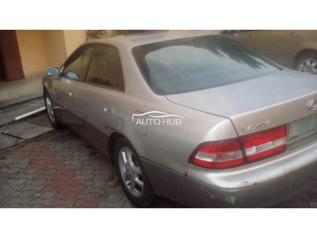 2001 Lexus ES 300 Silver