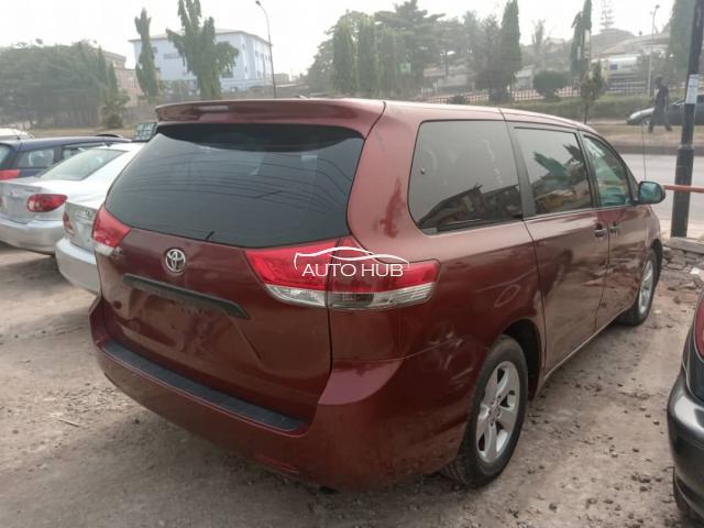 2011 Toyota Sienna Red