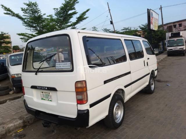 1998 Toyota Hiace White