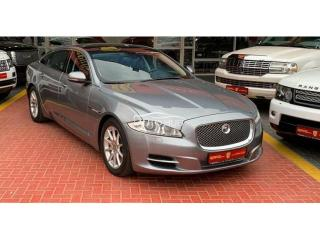 2012 Jaguar XJ8 Gray