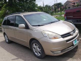 2005 Toyota Sienna XLE Gold