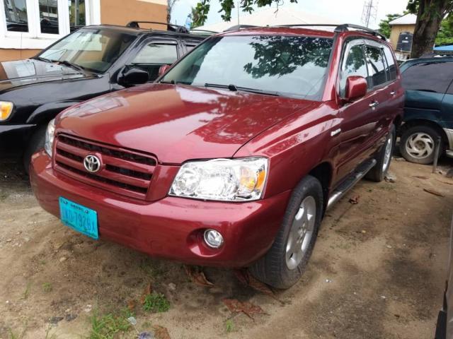 2005 Toyota Highlander Red
