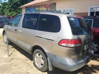 2006 Toyota Sienna Gray