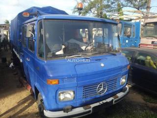 1998 Mercedes 408 Blue