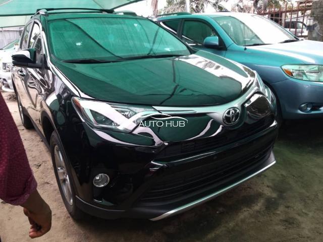 2015>>2018 Toyota Rav 4 Black