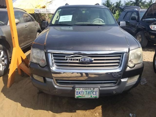 2005 Ford Explorer Brown