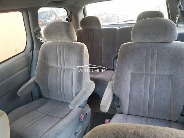 2001 Toyota Sienna Silver