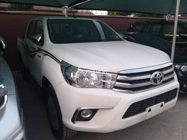 2020 Toyota Hilux White