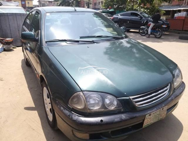 2002 Toyota Avensis Green