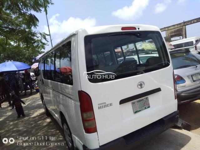 2005 Toyota Hiace White