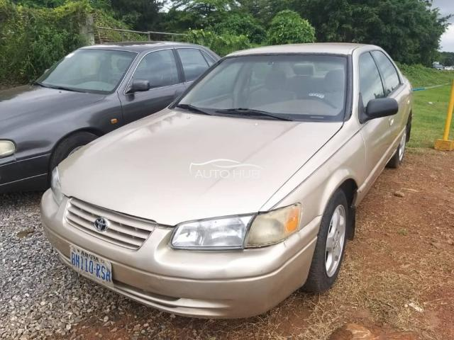 1998 Toyota Camry Gold