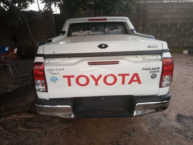 2016 Toyota Hilux SR5 White