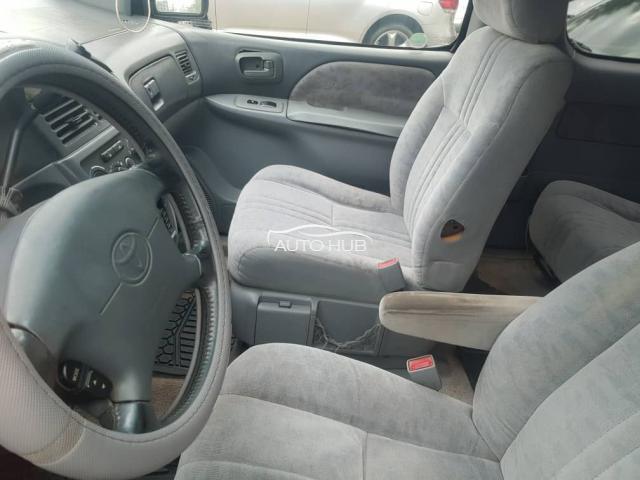 2001 Toyota Sienna Blue